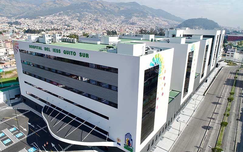 Gestionamos integralmente la formación de dos hospitales en Ecuador